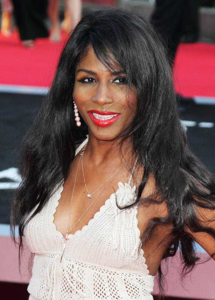 Sinitta<br>World Premiere of One Direction: This Is Us - Arrivals