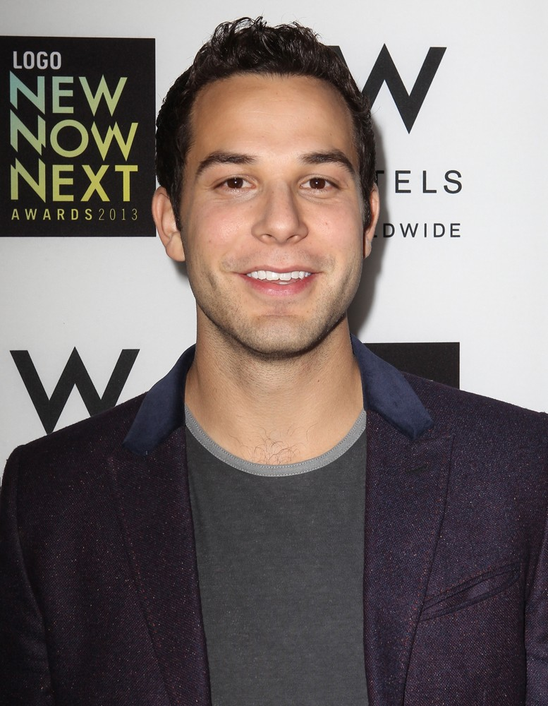 Skylar Astin Picture 12 - 6th Annual Logo NewNowNext ...