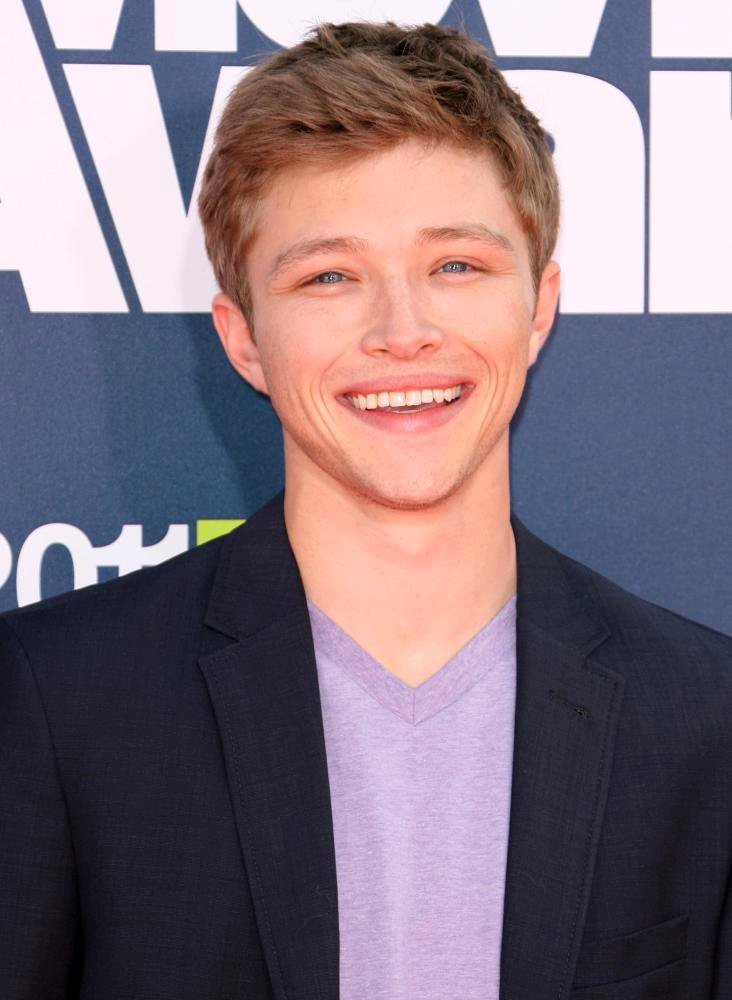 Sterling knight picture 5 2011 mtv movie awards arrivals for The sterling