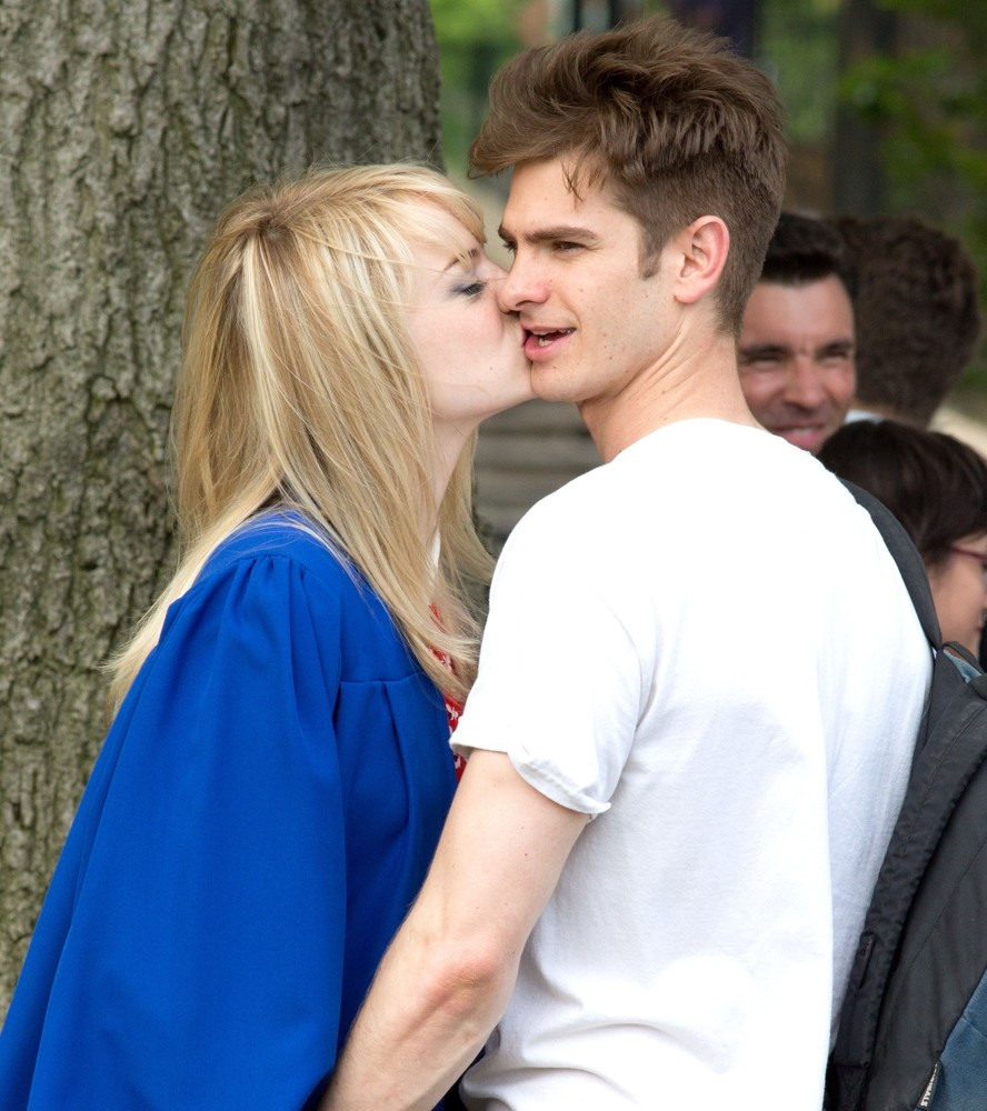 Kissing Scene on The Set of The Amazing Spider-Man 2
