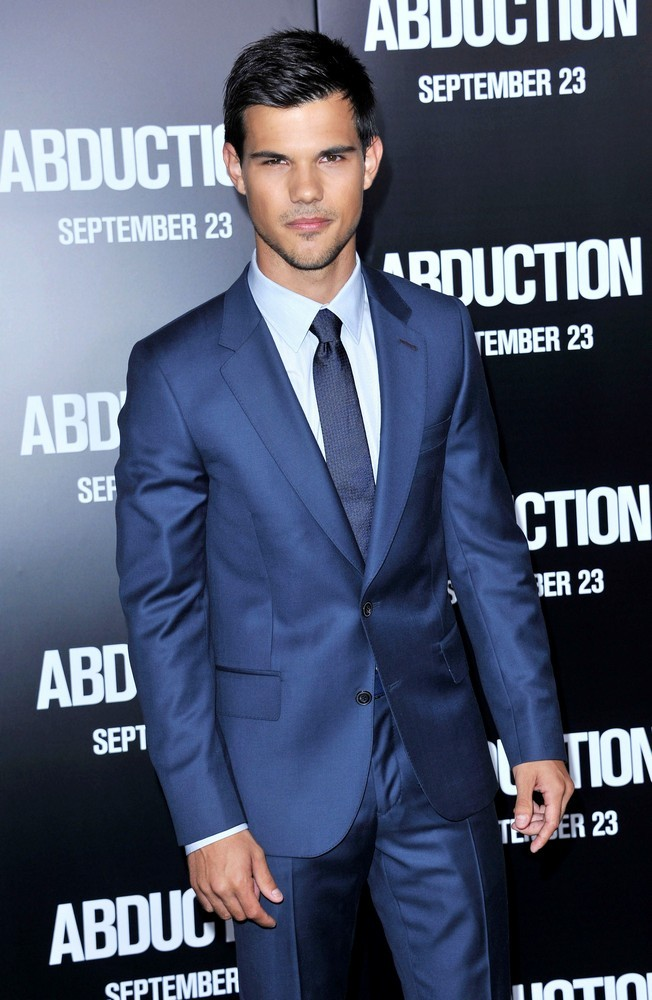 The Premiere of Abduction - Arrivals