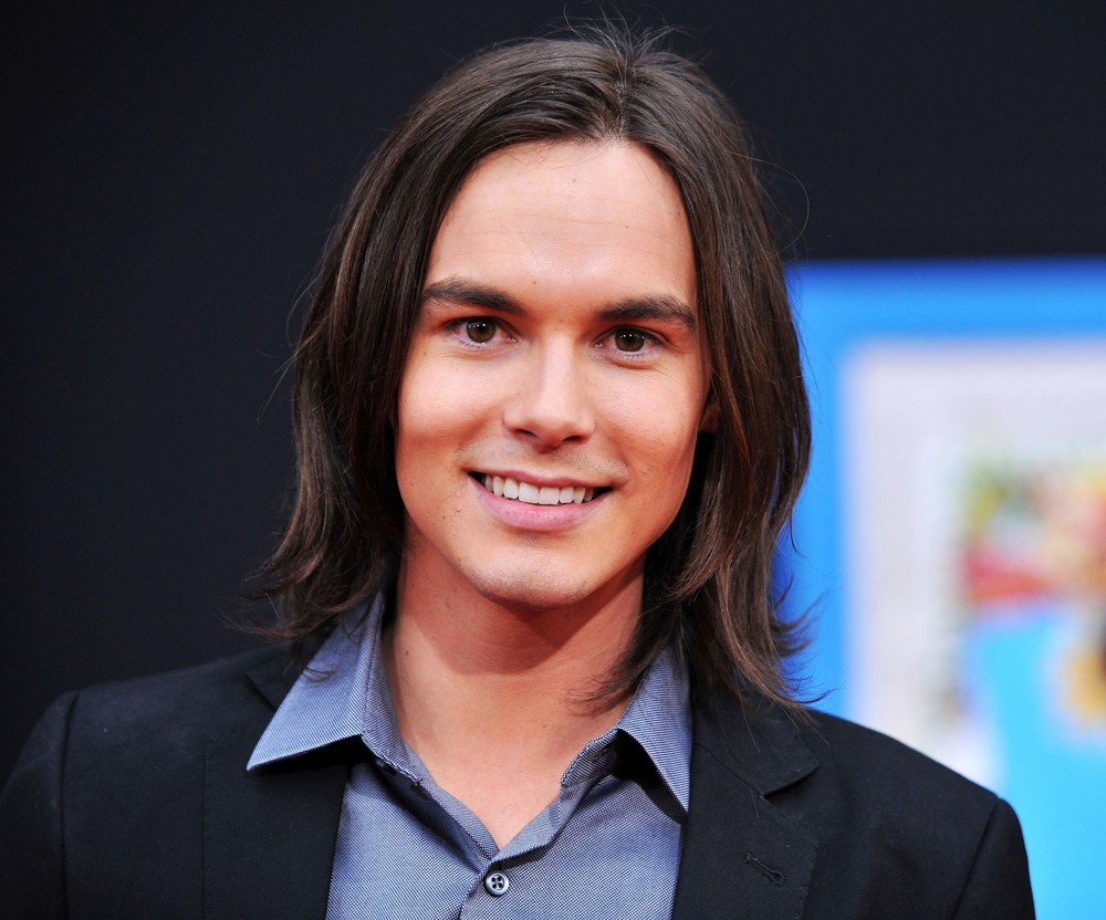 Tyler Blackburn Wallpapers Home Tyler Blackburn Tyler Blackburn Picture World Premiere