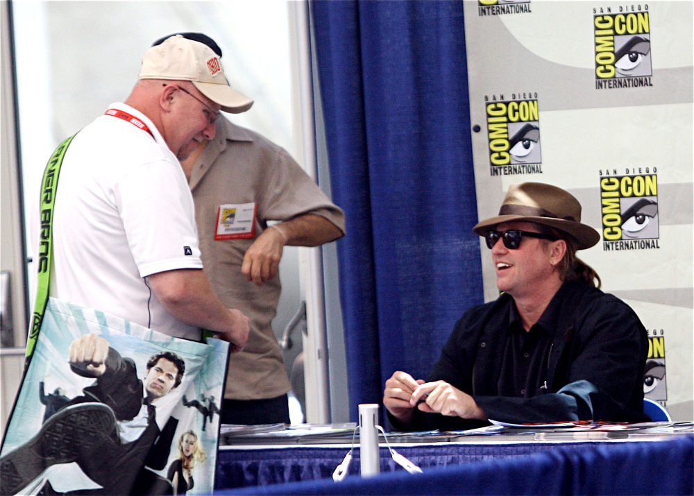 Signs Autographs During Comic Con 2010 - Day 2
