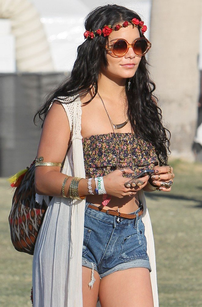 Vanessa Hudgens Picture 260 Celebrities At The 2012