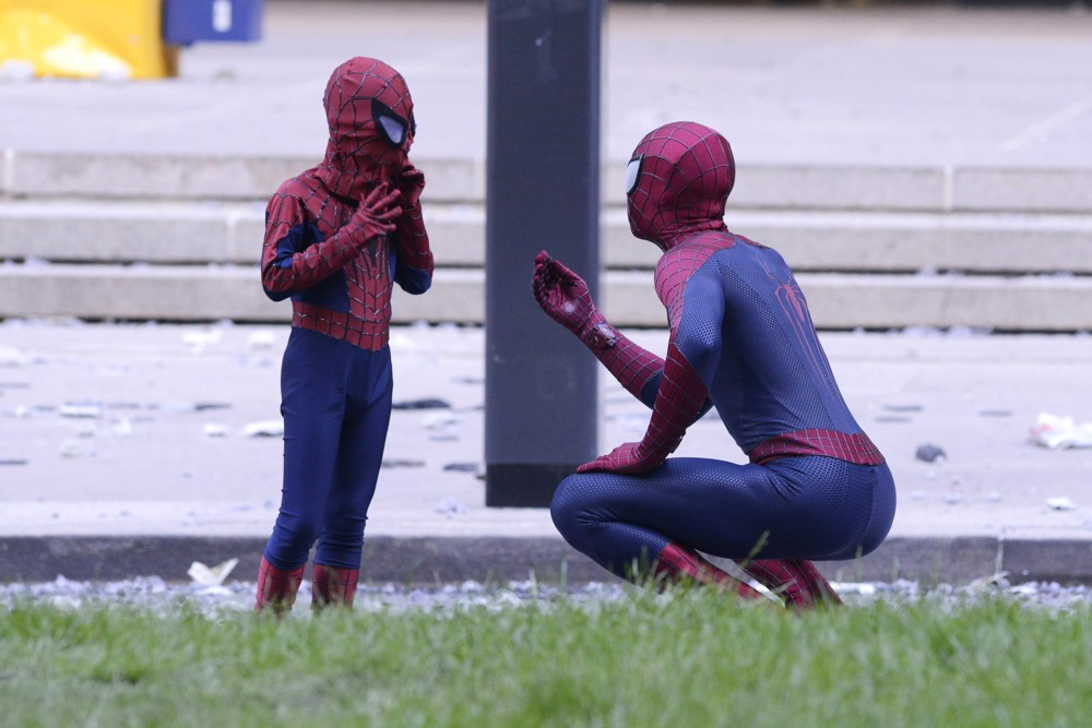 Scenes Are Filmed for The Amazing Spider-Man 2 on Location