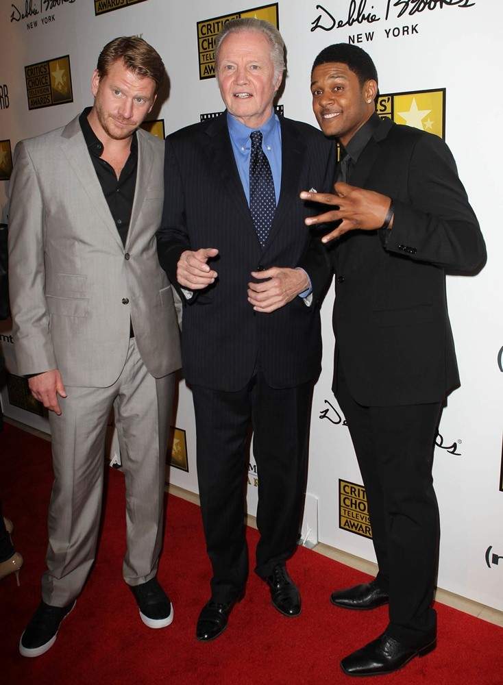 Dash Mihok, Jon Voight, Pooch Hall<br>Broadcast Television Journalists Association's 3rd Annual Critics' Choice Television Awards