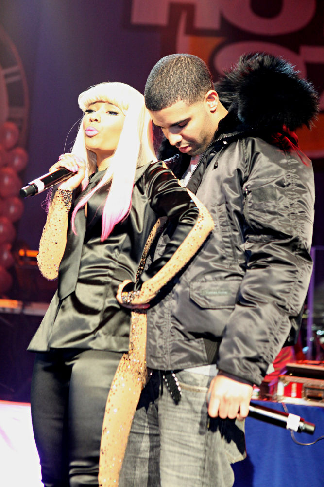 nicki minaj and drake kissing on the lips. Nicki Minaj, Drake