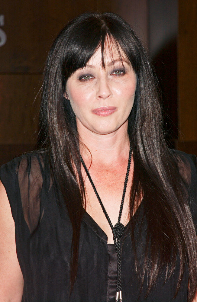 Shannen Doherty<br>Shannen Doherty Signs Copies of Her New Book 'Badass'
