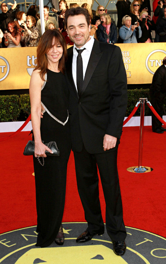 Jon Tenney<br>The 17th Annual Screen Actors Guild Awards (SAG Awards 2011) - Arrivals