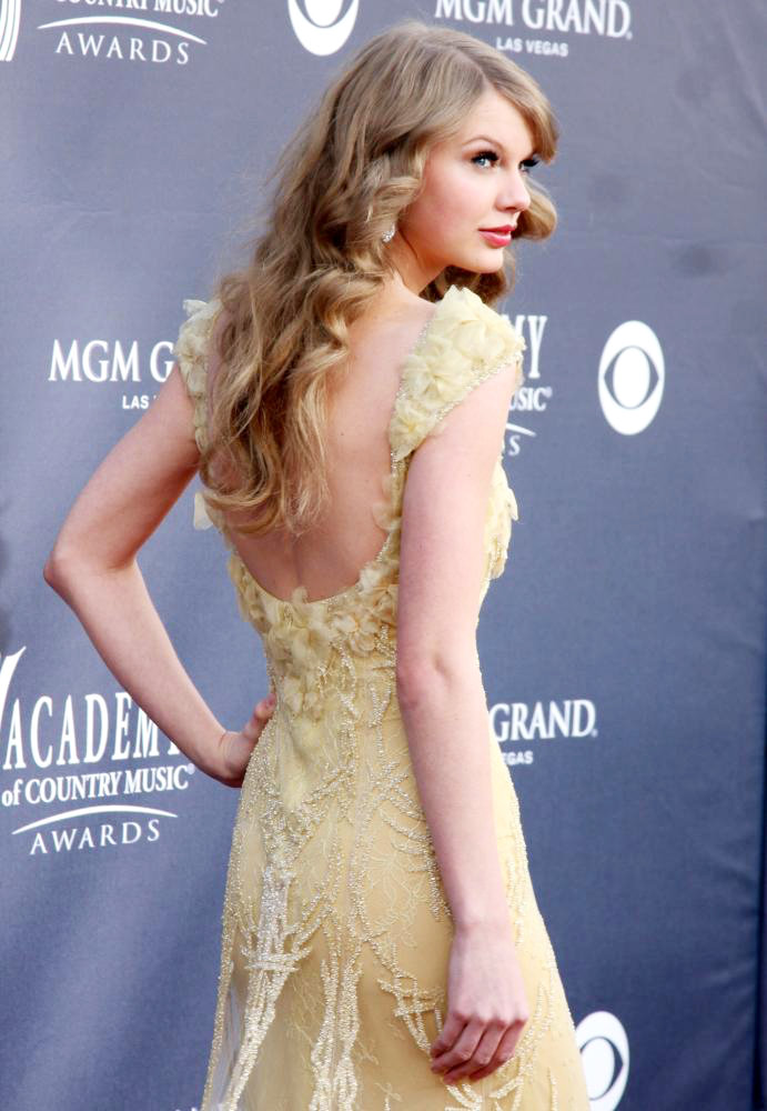 The Academy of Country Music Awards 2011 - Arrivals