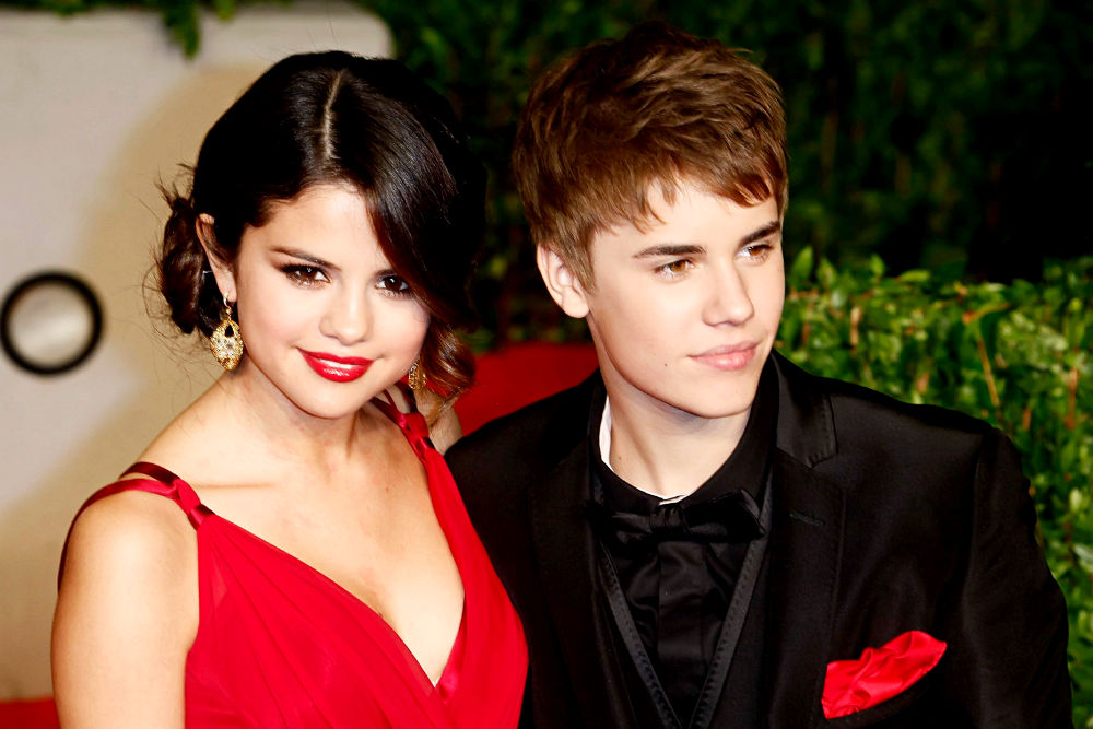 selena gomez and justin bieber 2011 vanity fair. Selena Gomez, Justin Bieber Picture in 2011 Vanity Fair Oscar Party - Arrivals. Selena Gomez, Justin Bieber 2011 Vanity Fair Oscar Party - Arrivals