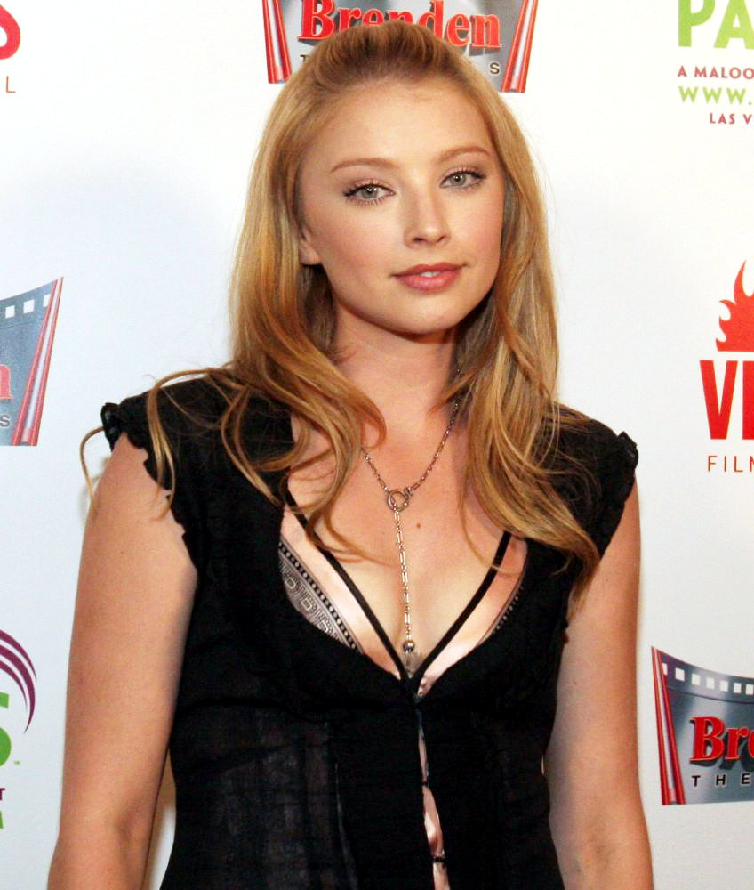 Elisabeth Harnois Promoted as '...