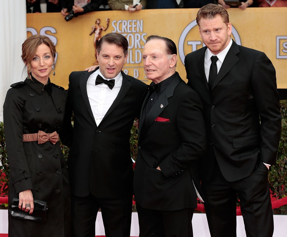 Christine Whigham, Shea Whigham, Paul Herman, Dash Mihok<br>19th Annual Screen Actors Guild Awards - Arrivals