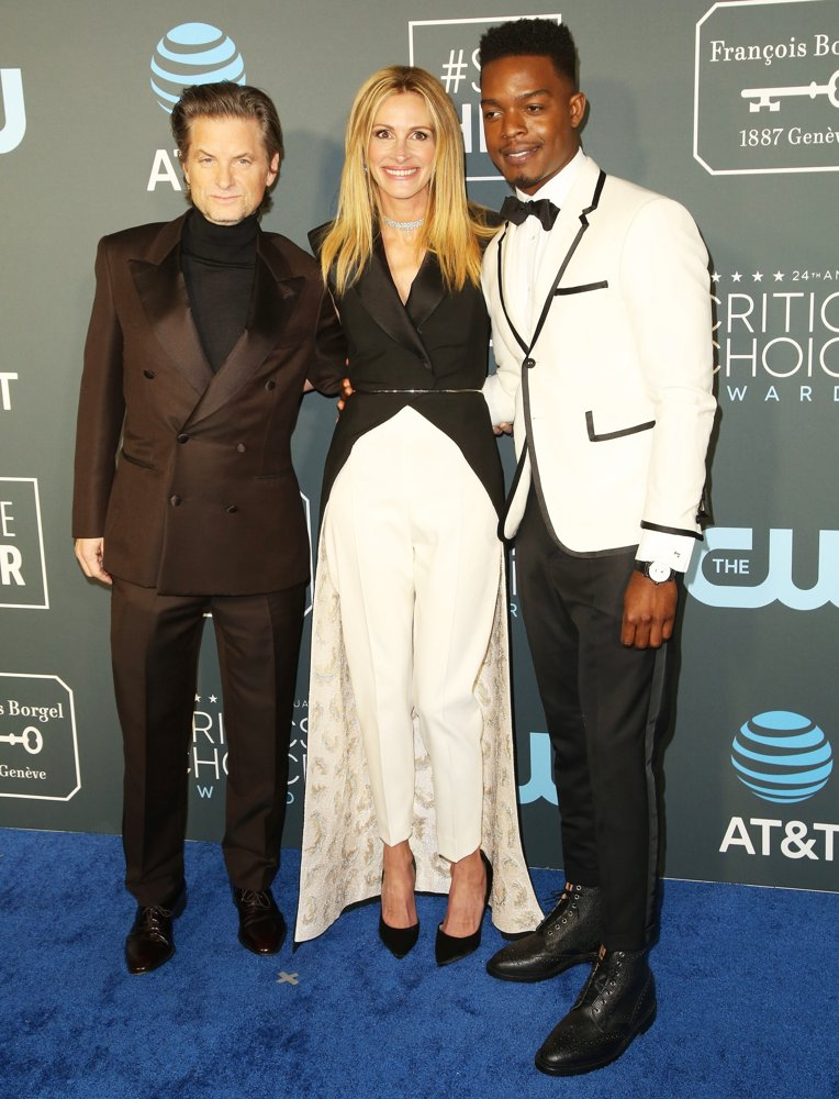 Shea Whigham, Julia Roberts, Stephan James<br>24th Annual Critic's Choice Awards - Arrivals