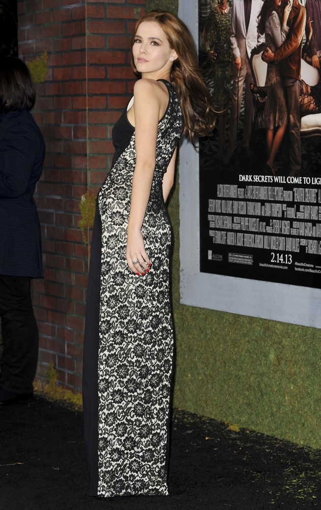 Zoey Deutch Picture 9 - Beautiful Creatures Los Angeles ... Zoey Deutch Beautiful Creatures Premiere